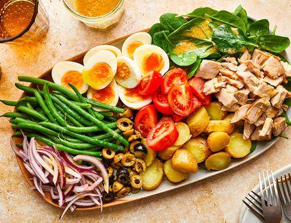 Salad Nicoise hero