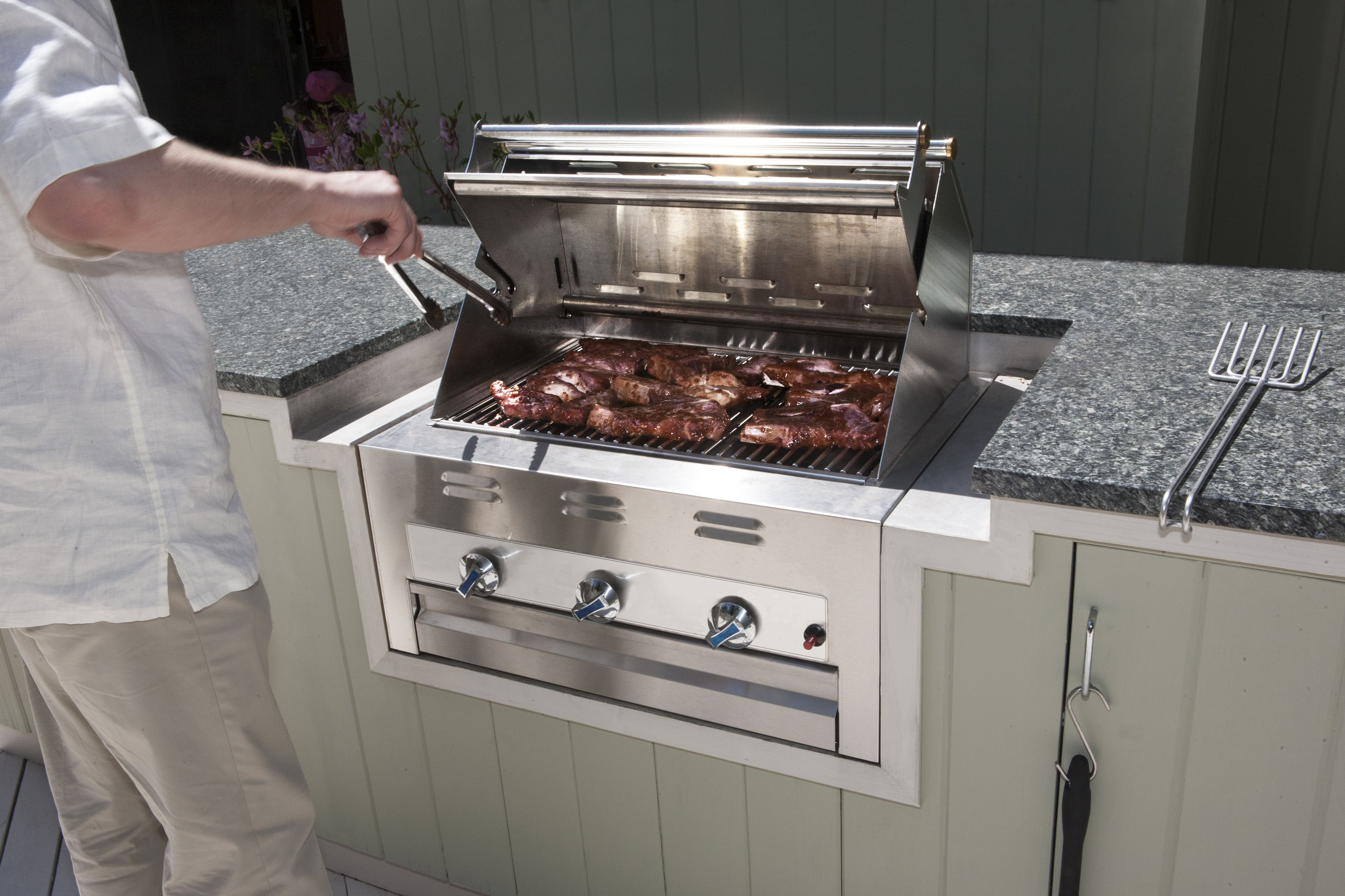 Gas Grilling Tips and Techniques