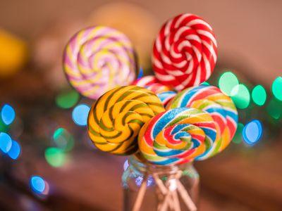 Easy Homemade Lollipops Recipe