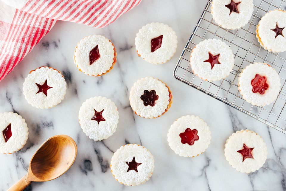 linzer cookies on marble