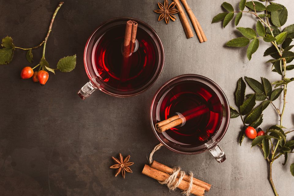 Mulled wine in two glass mugs
