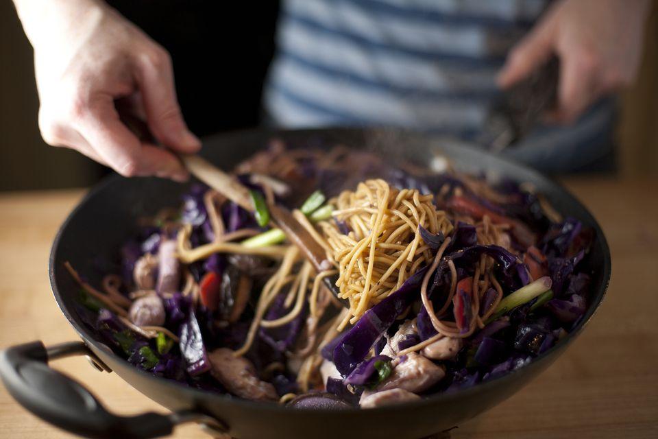 Thai cuisine potential health benefits cooking thai food forumfinder Images
