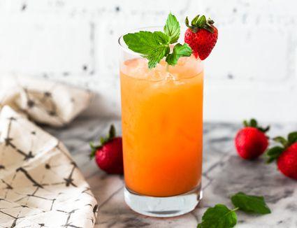 11 Essential And Popular Rum Tiki Cocktails