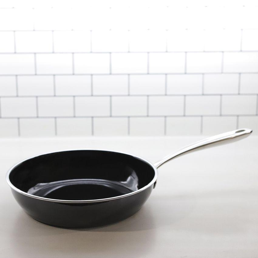all-clad-fusiontec-skillet-fry-pan-hero