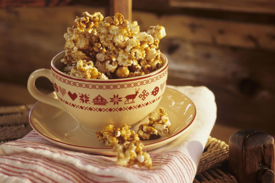 Popcorn with caramel in teacup