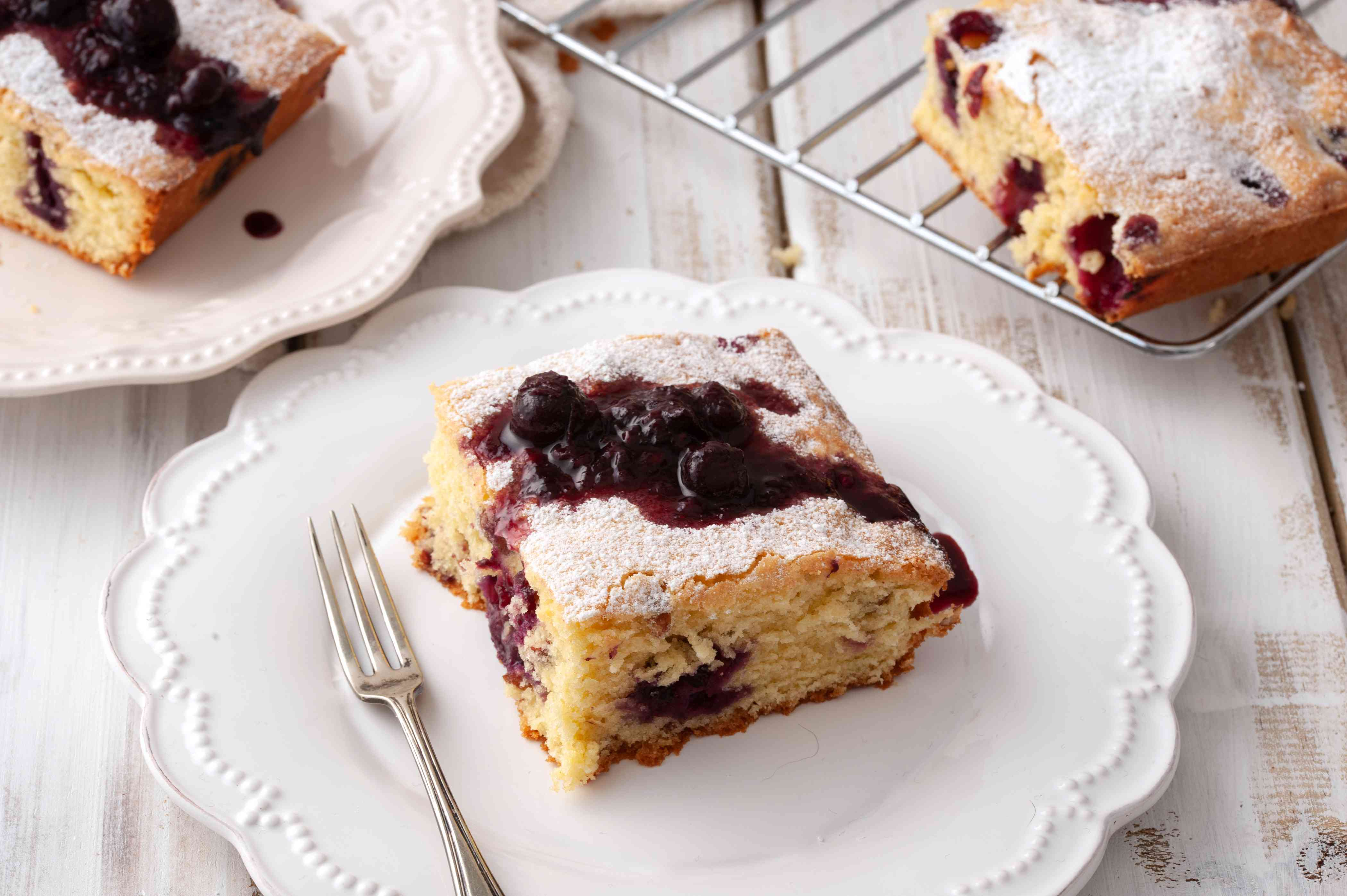 Easy blueberry cake bars