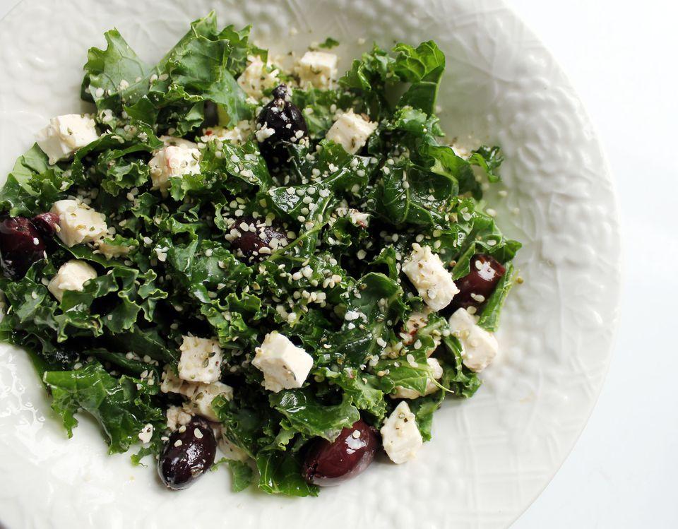 Kale salad with hemp seeds