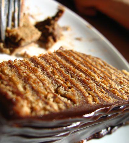 layered chocolate serbian cake