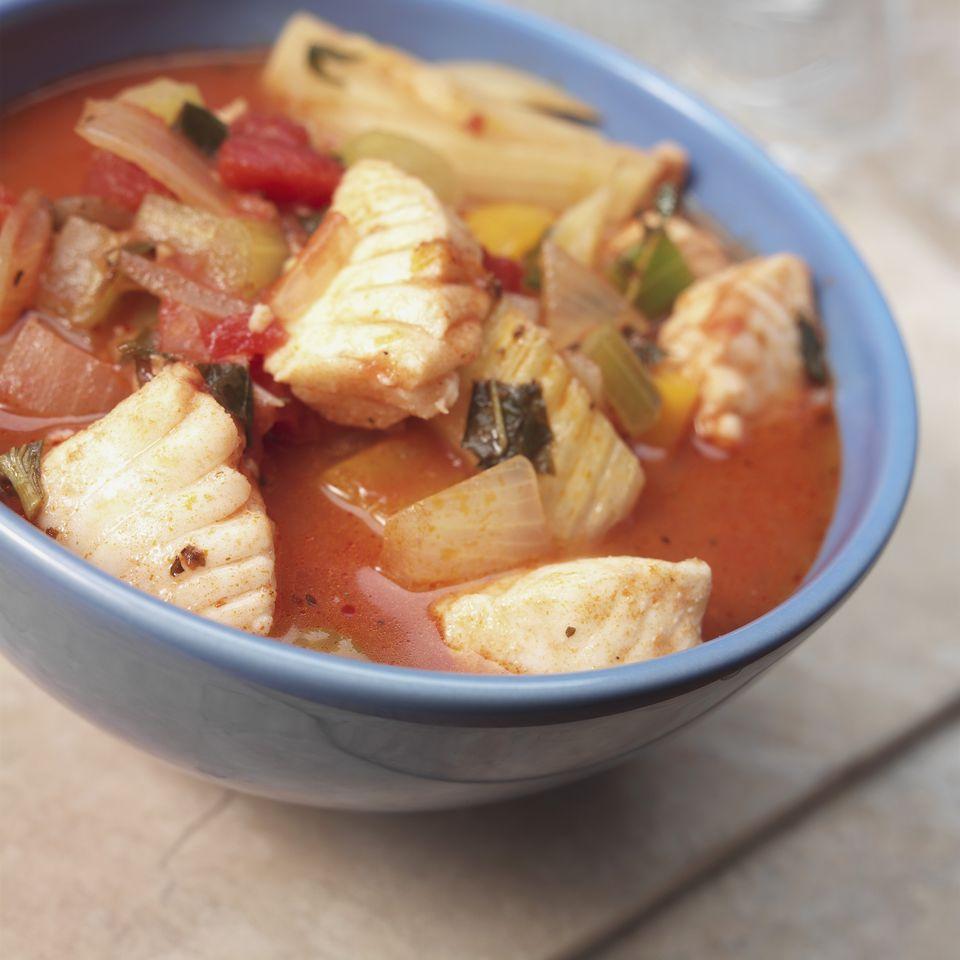 Psarosoupa: sopa de pescado con huachinango y verduras