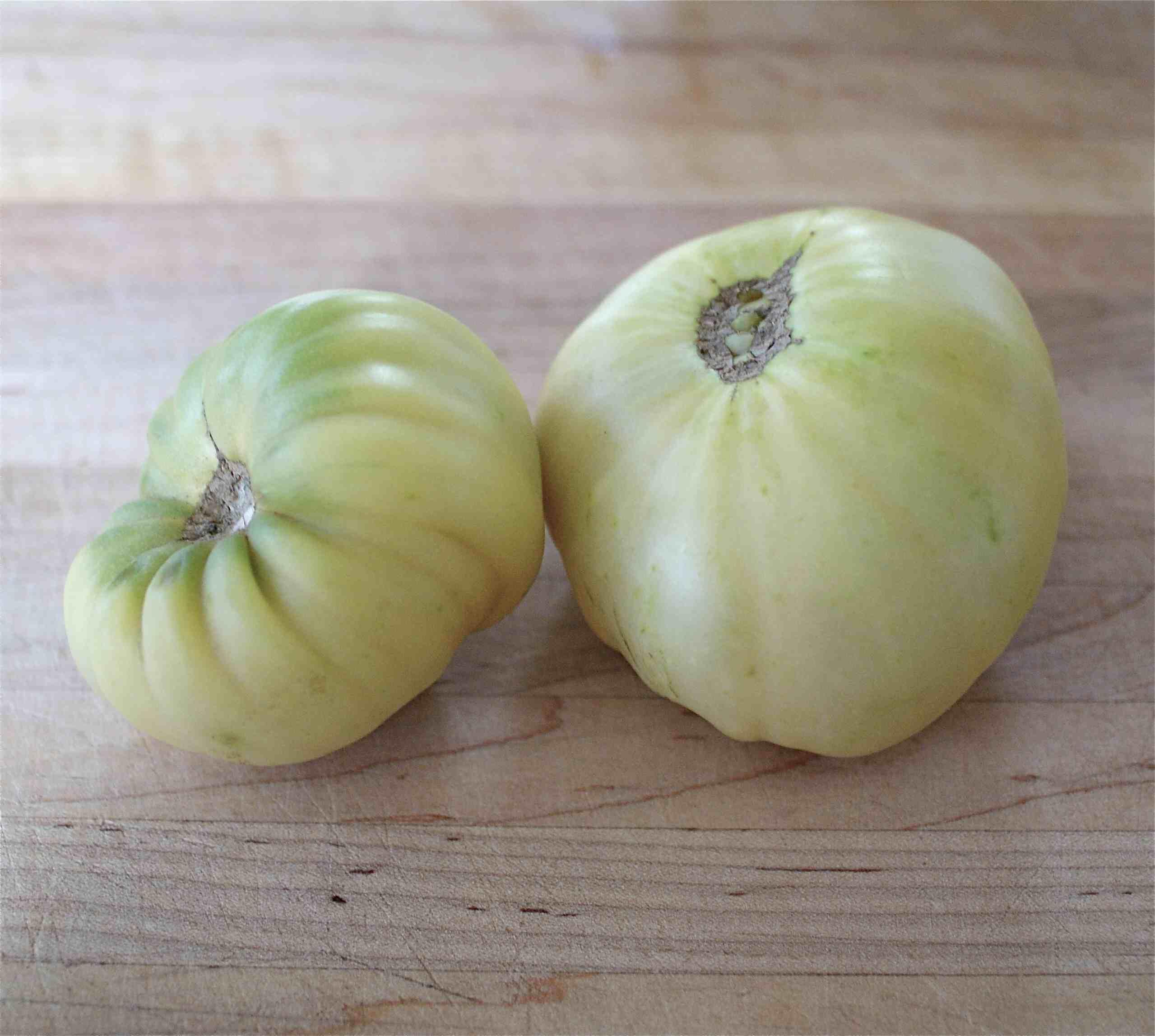White beauties (white tomatoes)