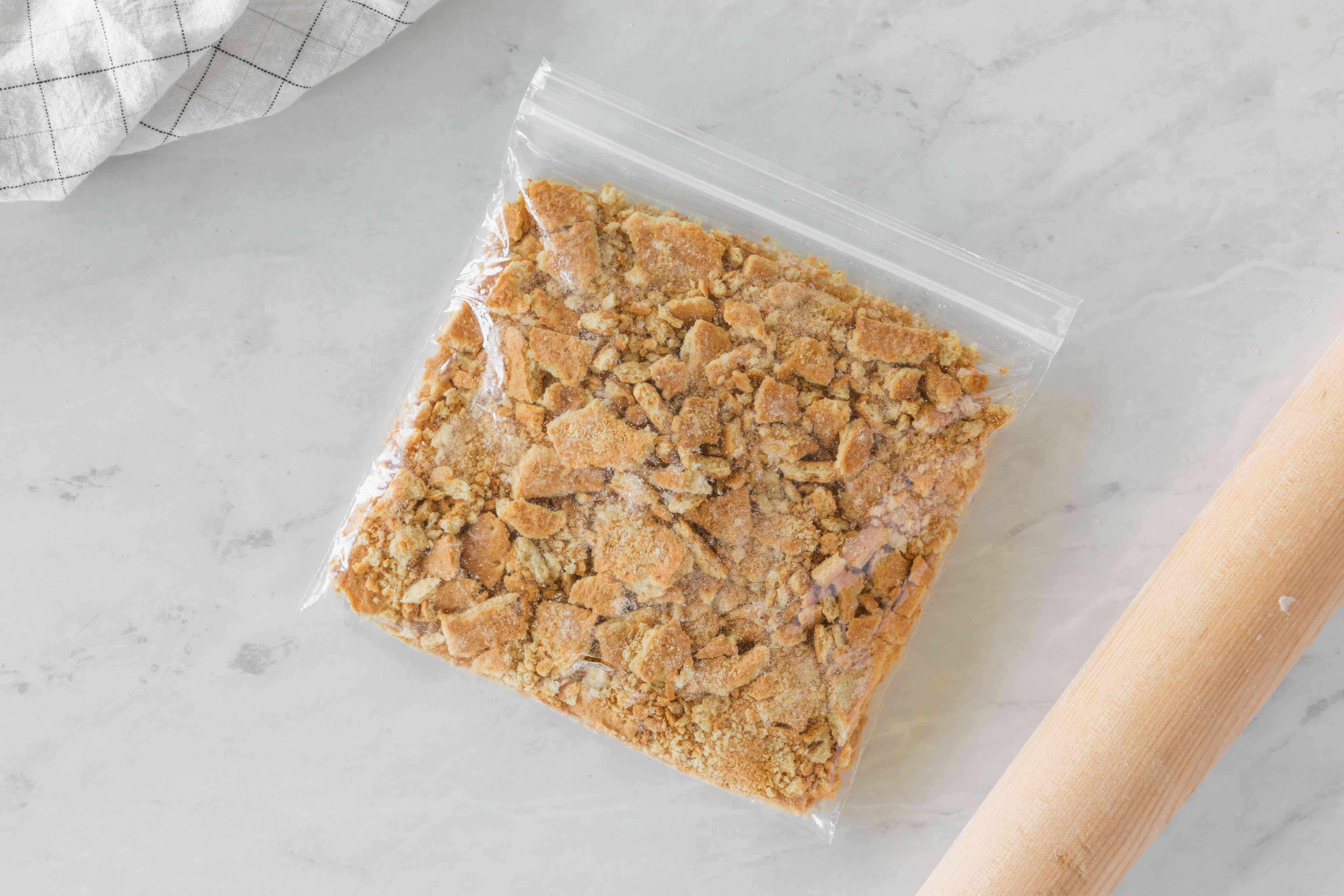 Graham cracker in bag
