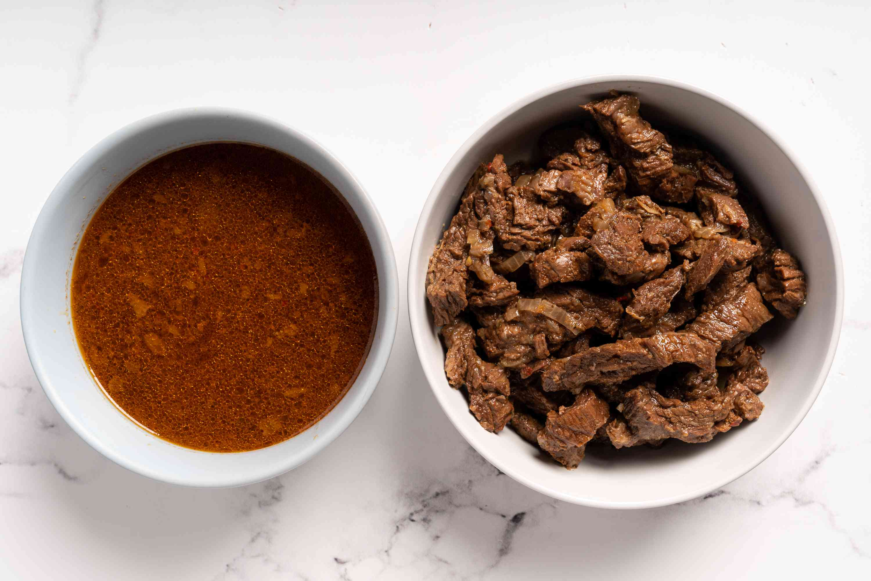drain the beef, beef liquid in a bowl