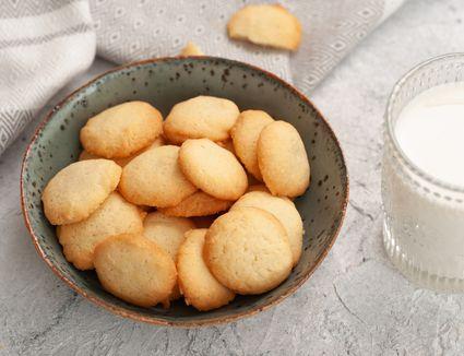 Brown edge butter cookies
