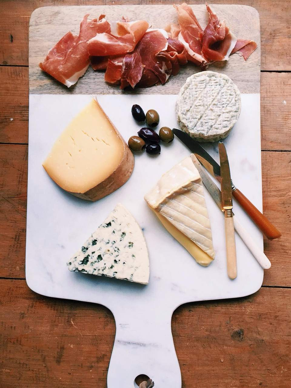 Russo Short Handled Cheese Board