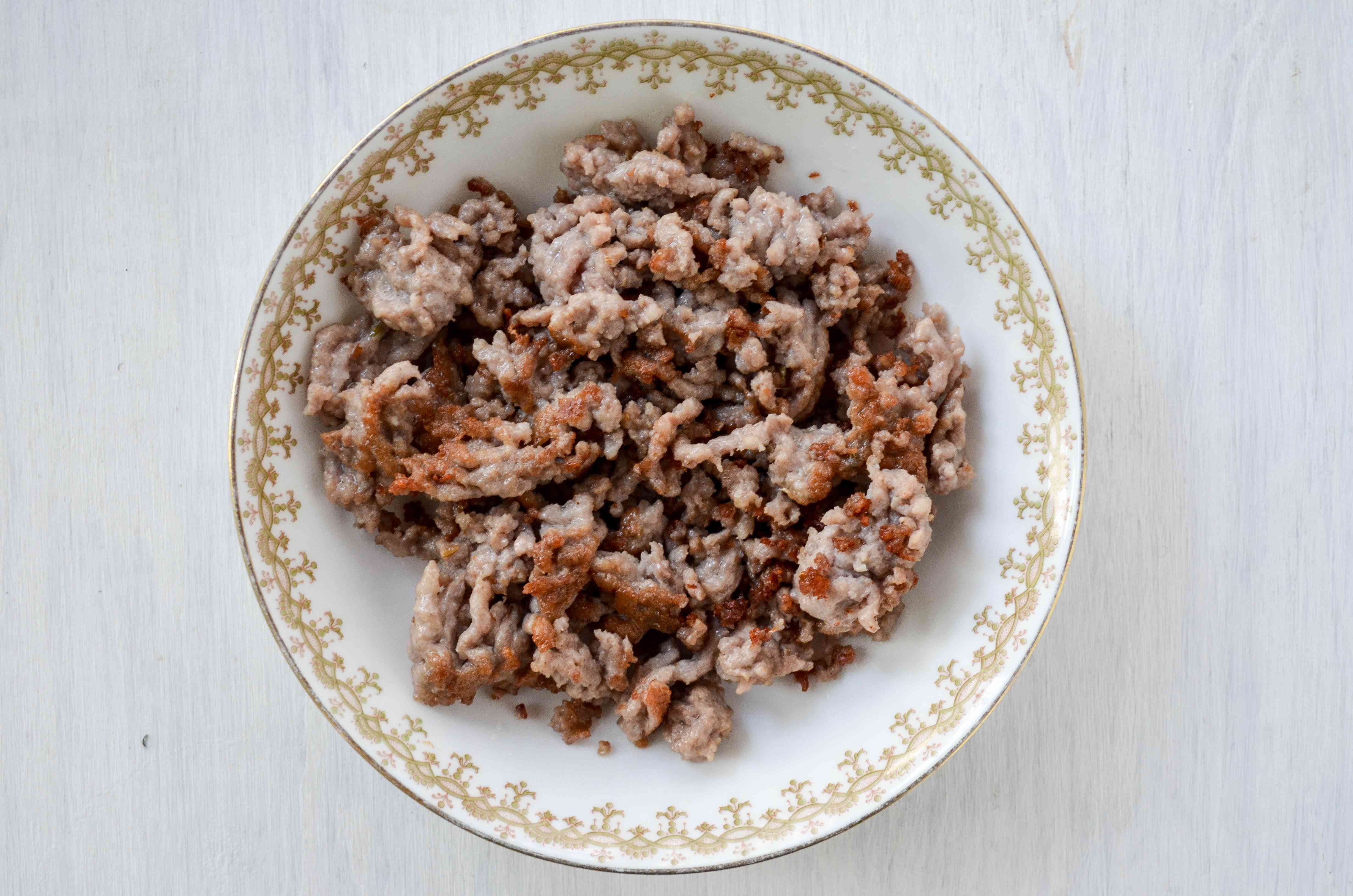 Brown sausage for Copycat Olive Garden Pasta e Fagioli