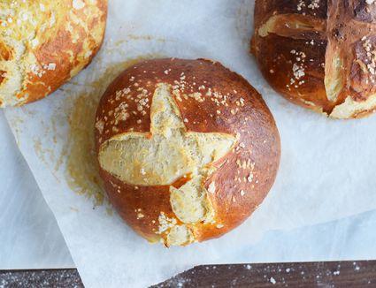 pretzel bread bowls