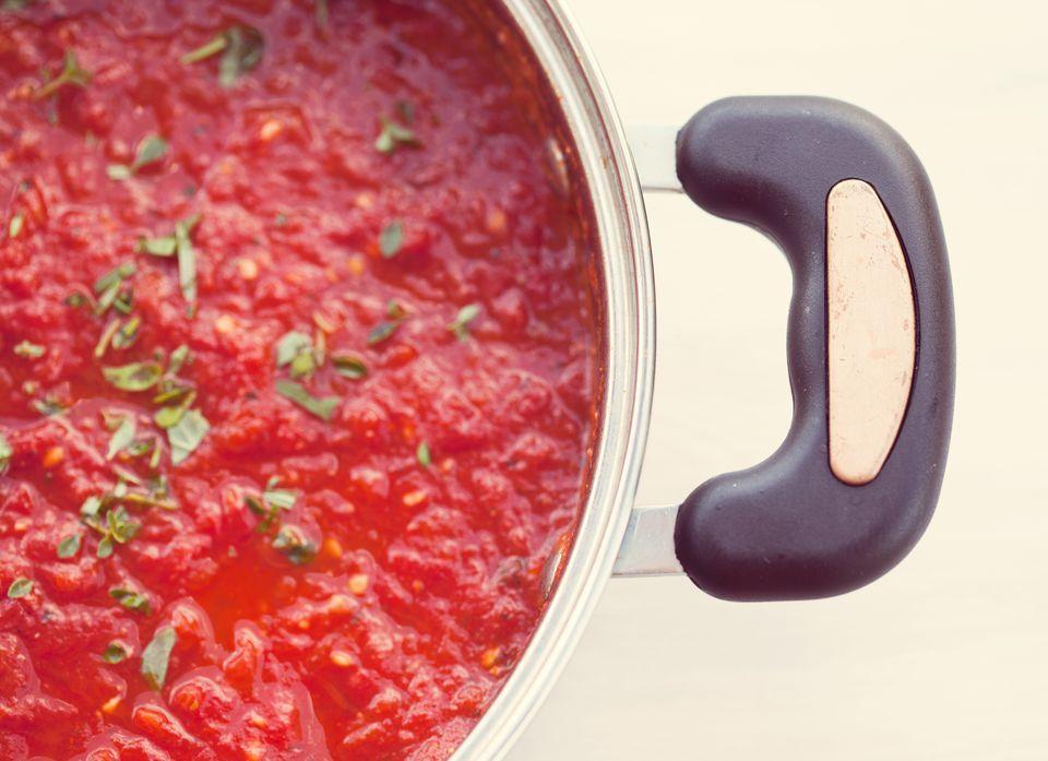 Simple homemade tomato sauce