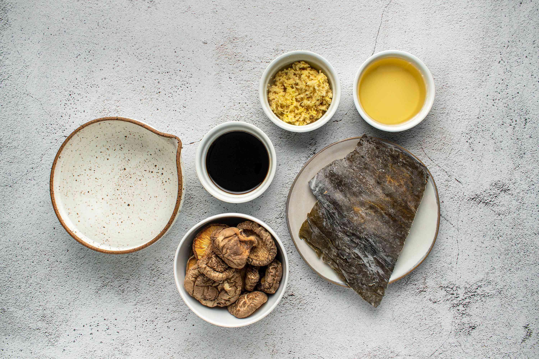 Make Kombu Shiitake Dashi (Stock) ingredients