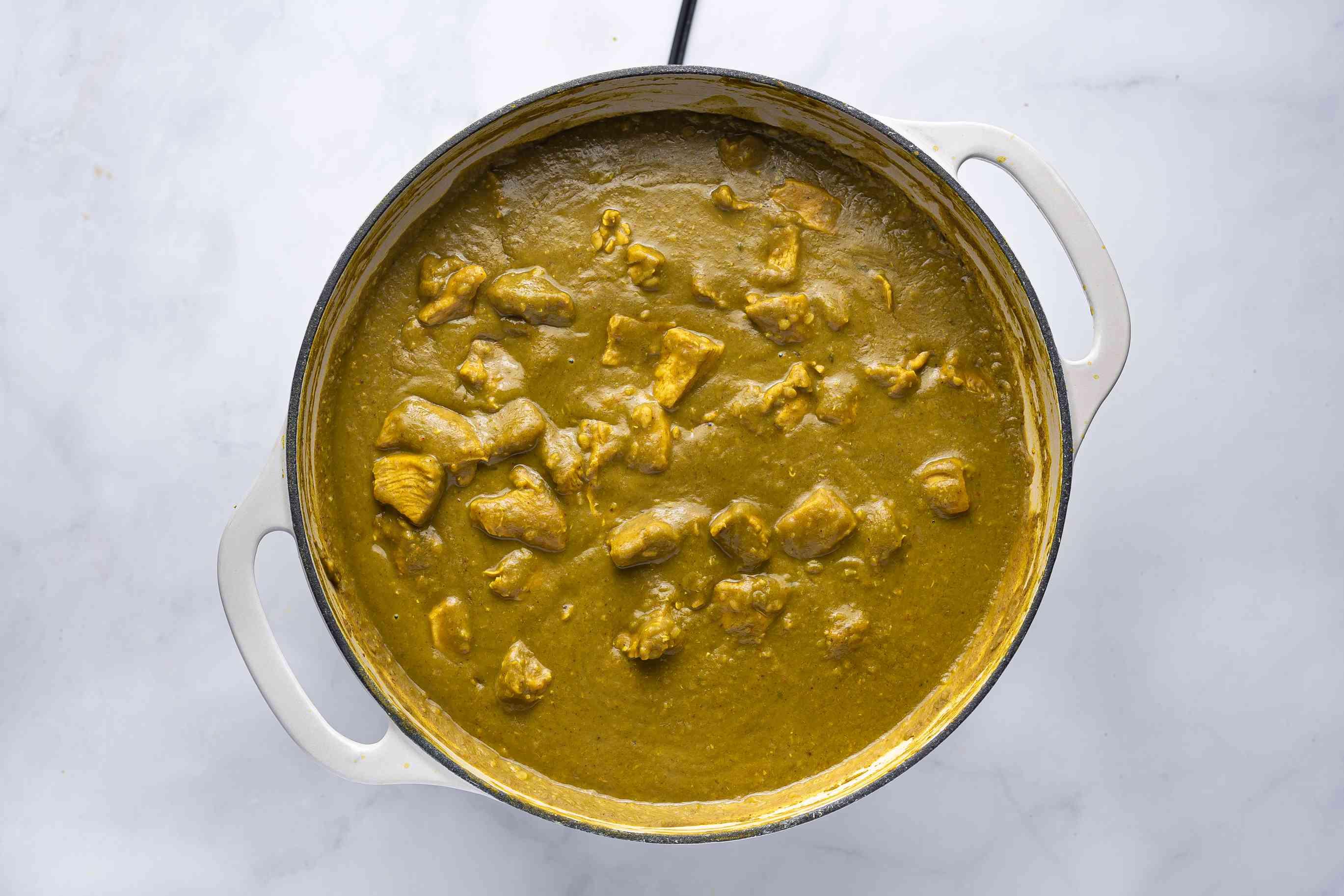 Chicken Dhansak Parsi in a pot