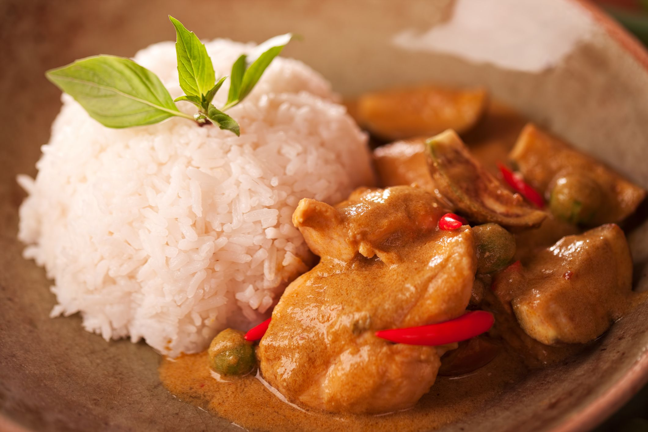 Try this classic curry chicken with potatoes recipe for dinner