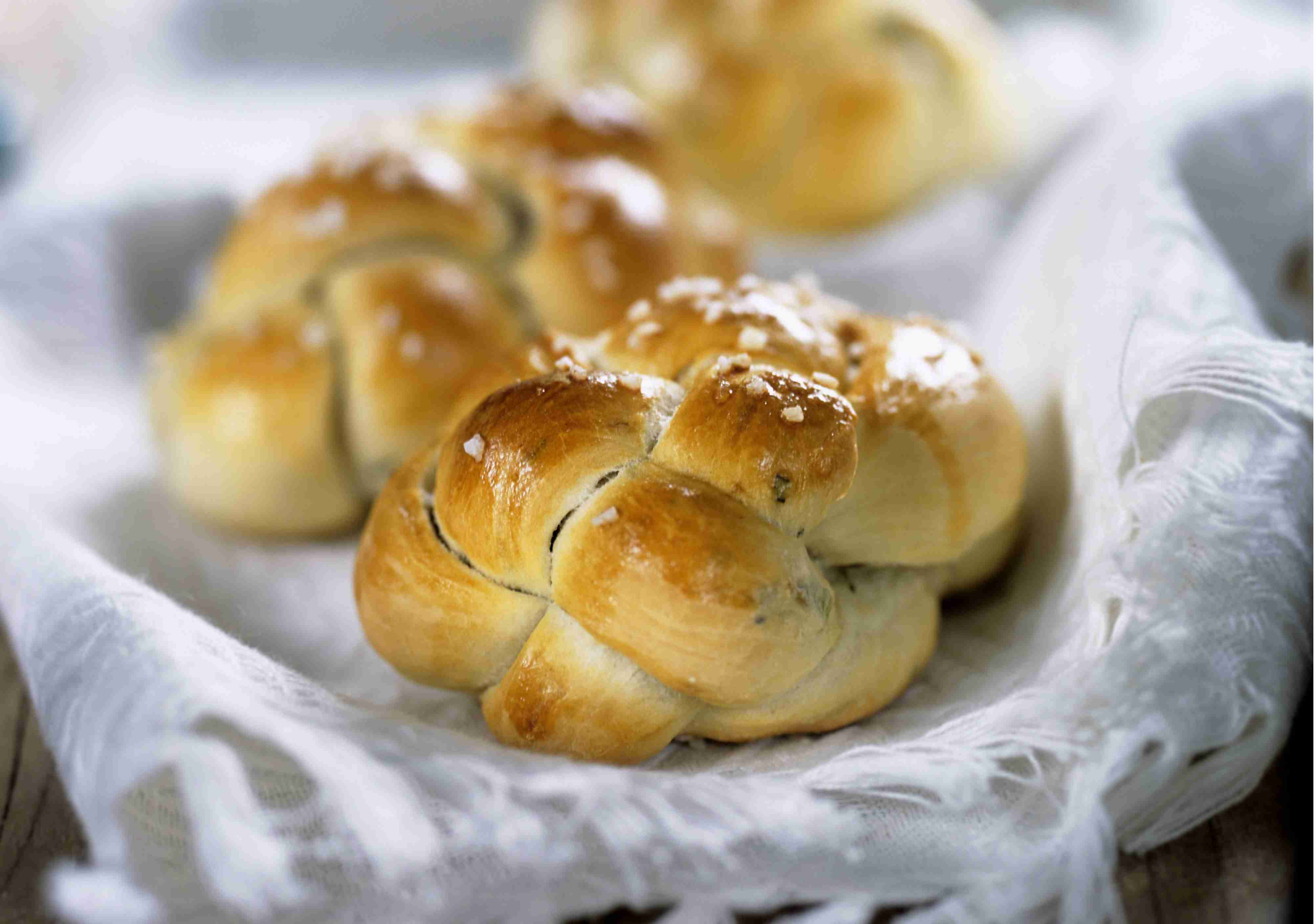 bread rolls with herbs and coarse salt - Best Christmas Dinner Recipes