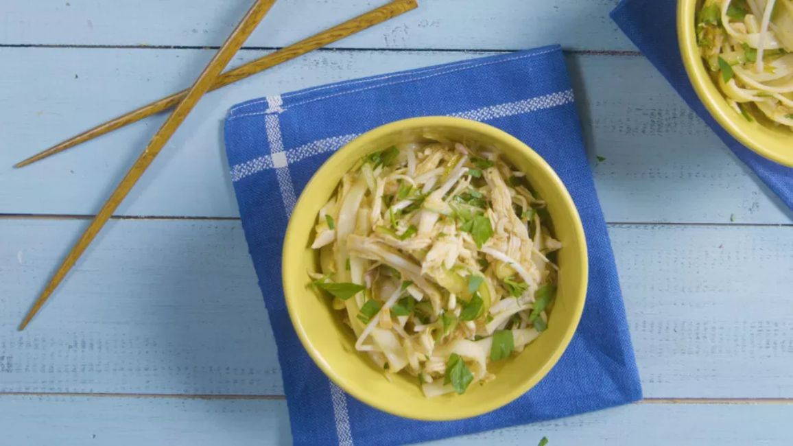 Sweet and Spicy Cold Noodles With Chicken