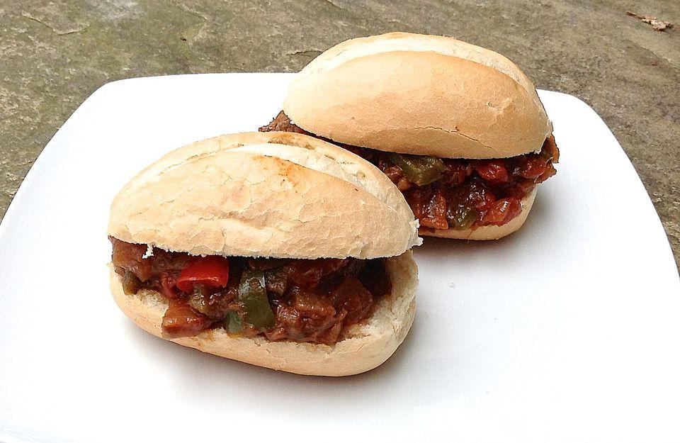 Brazilian Braised Beef Sandwiches - Carne Louca