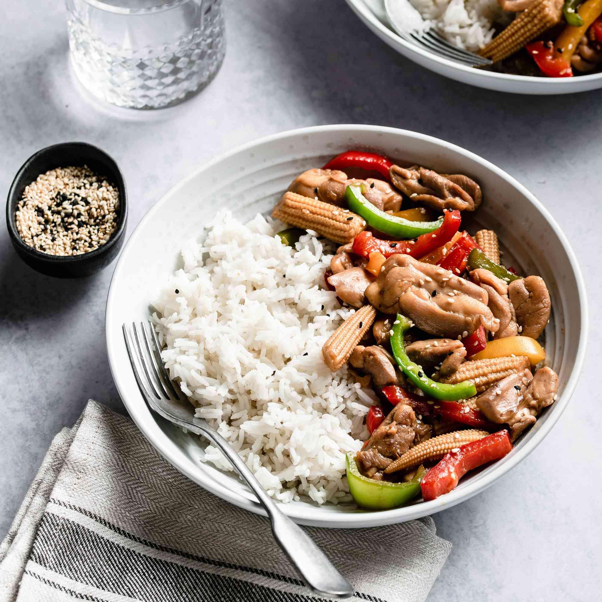 Chicken stir fry with bell pepper