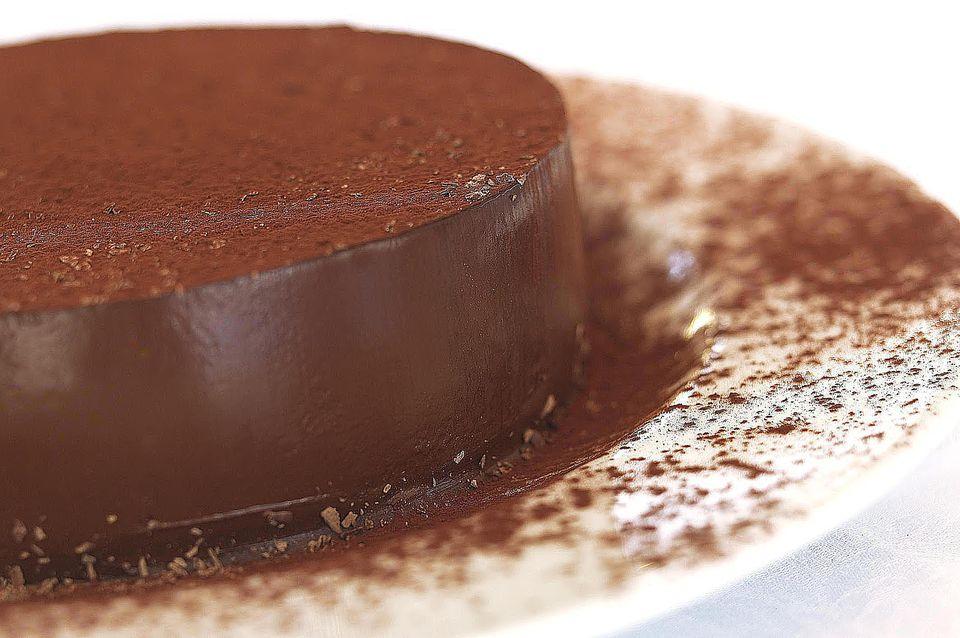 Torta de chocolate con chocolate