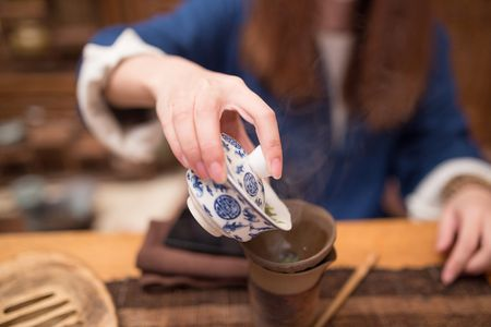 Chinese Tea Culture Origin of Finger Tapping