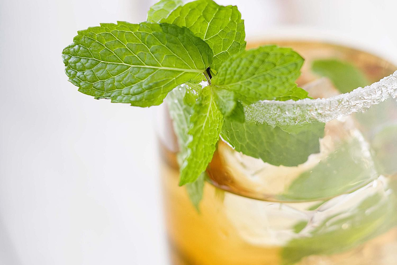 White Peach Julep Cocktail Recipe