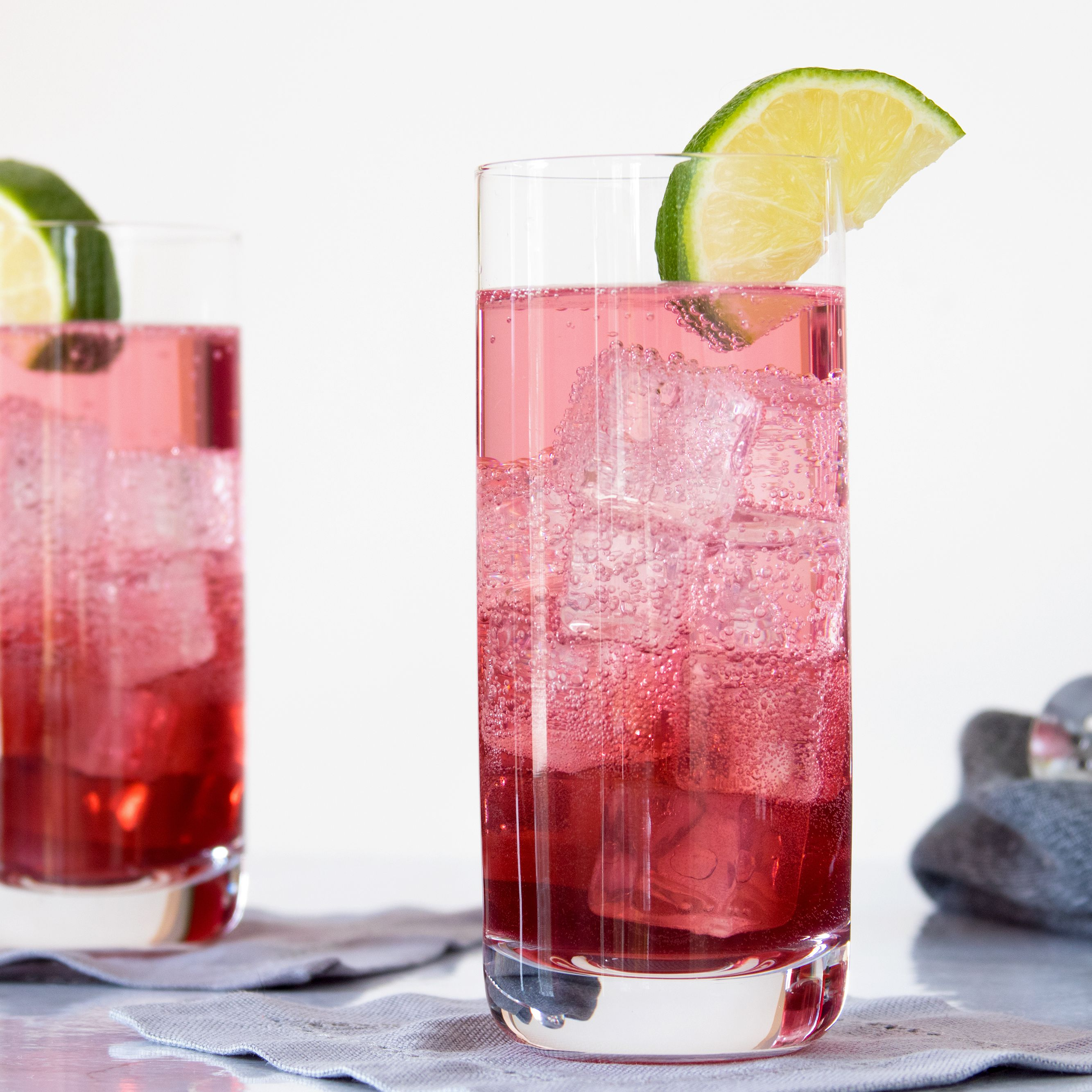 22 Sweet and Fun Raspberry Cocktails to Mix Up