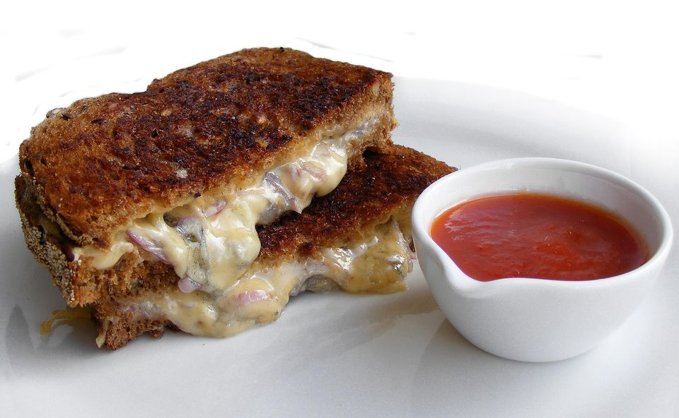 Grilled Cheese Sandwich with Caramelized Onion