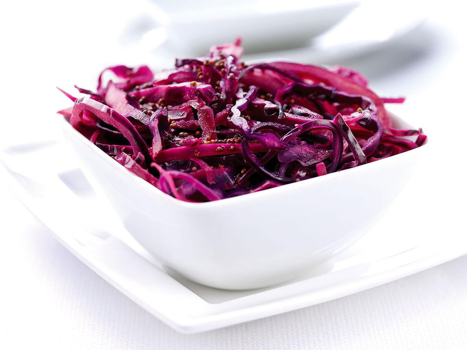Red cabbage with mustard and apple