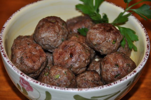 Greek meatballs keftethes