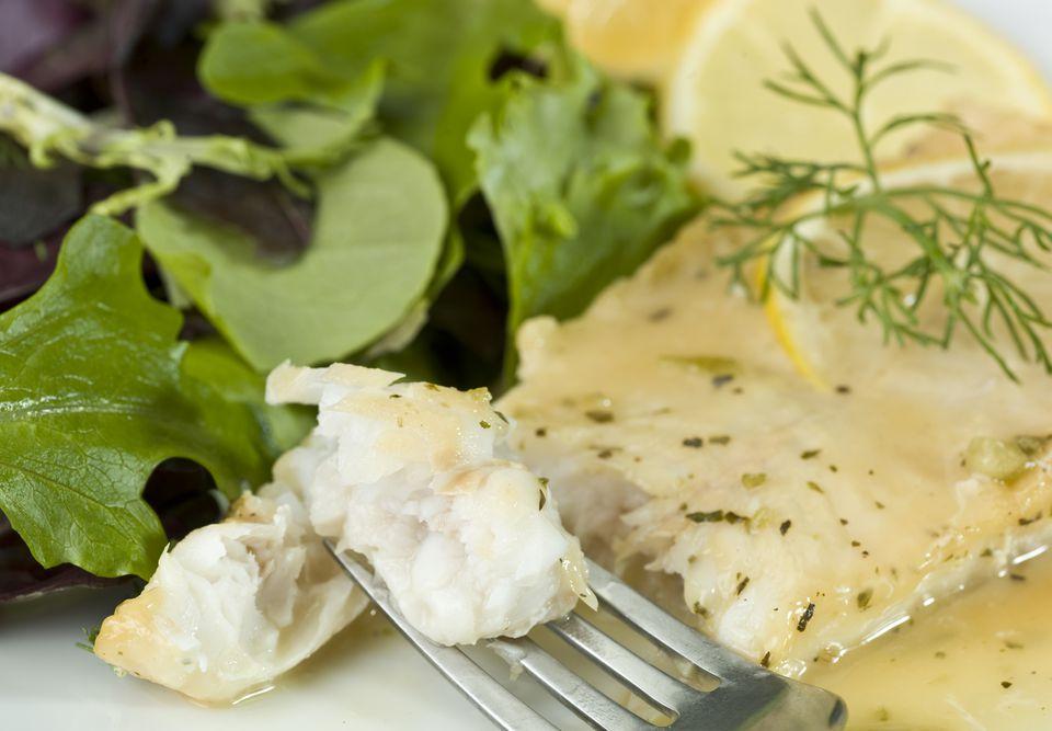 Salsa griega tradicional de huevo y limón (Avgolemono)