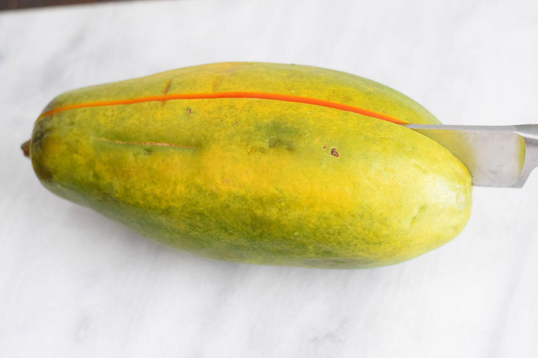 How to cut papaya in half