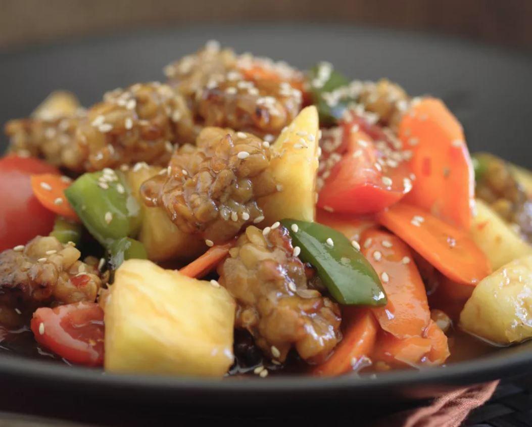 Tempeh Stir-Fry With Bell Peppers in Teriyaki Sauce