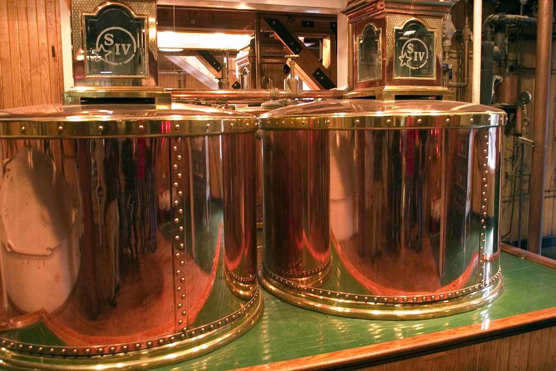 Copper pot stills at Maker's Mark Bourbon Whisky Distillery