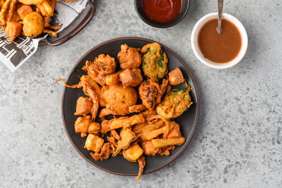 Bhajias (Pakoras) - Fried Indian Snack