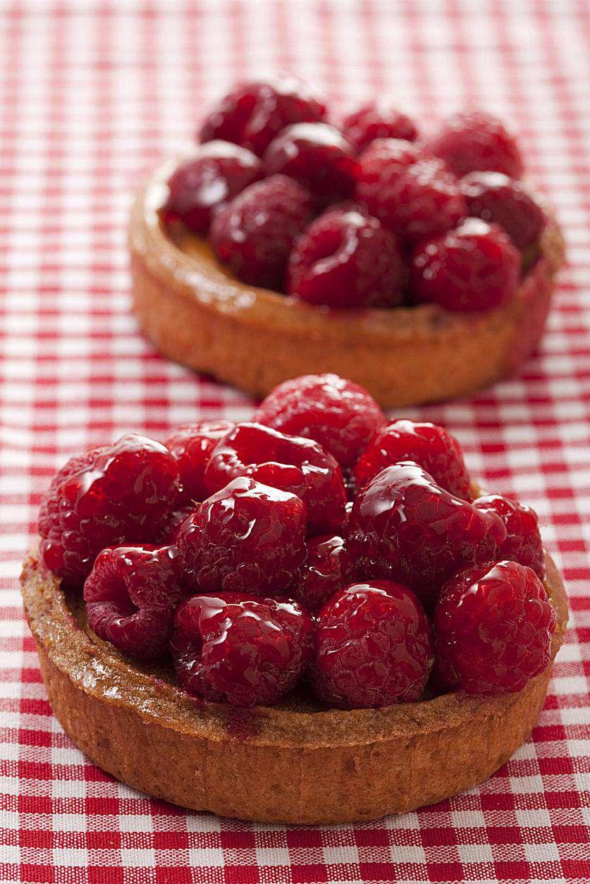 Individual raspberry tarts