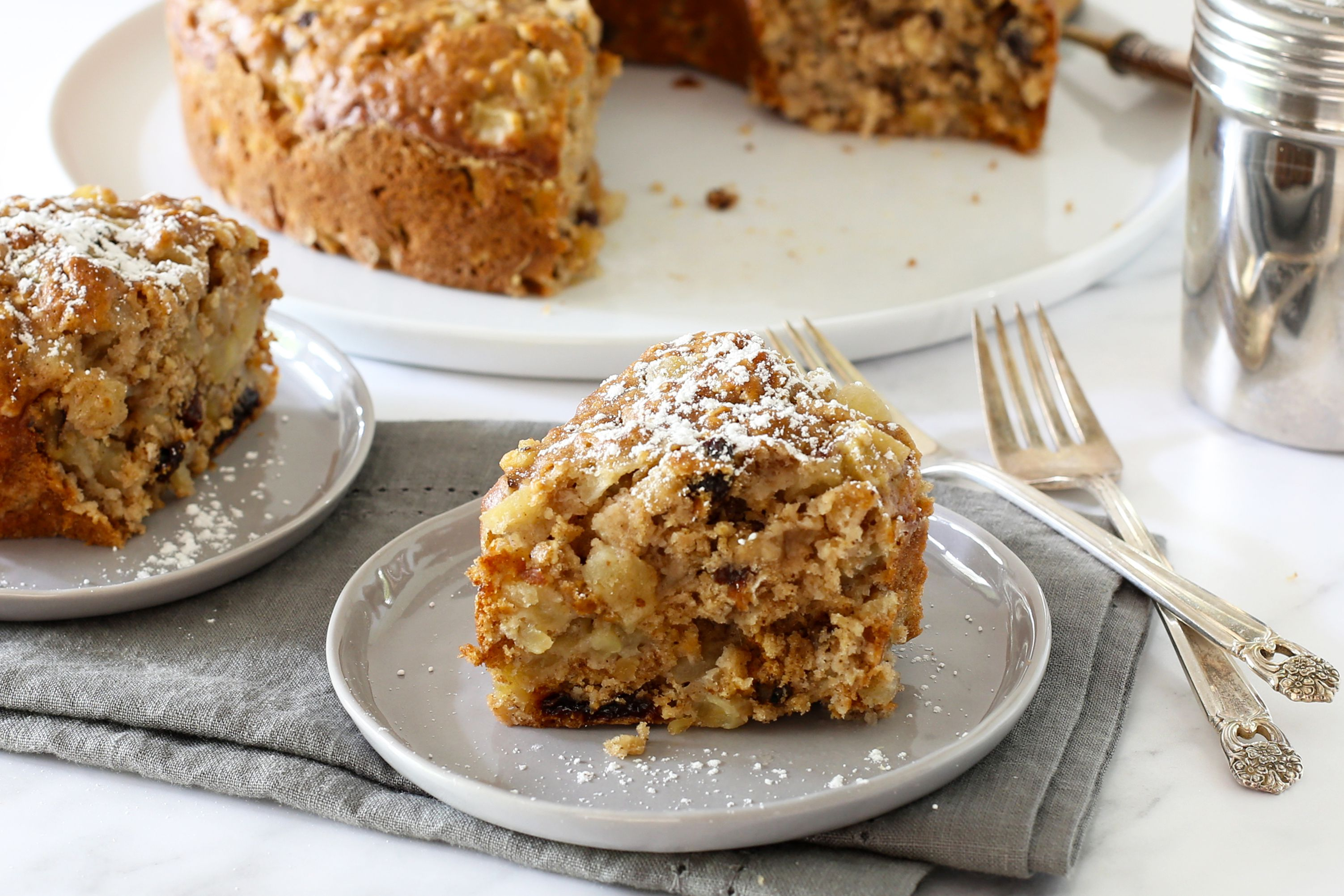Spiced Apple Oatmeal Cake