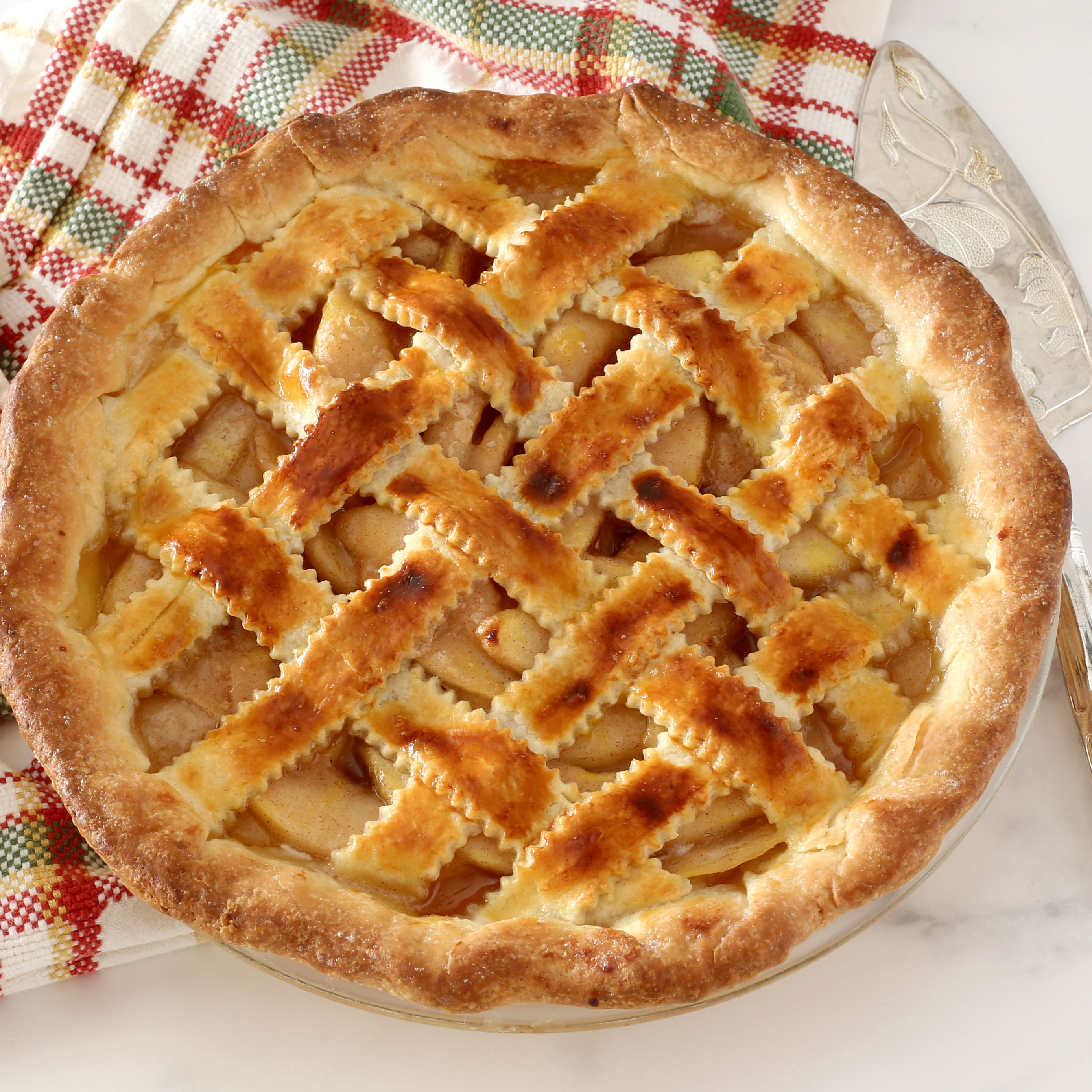 fresh-pear-pie-with-a-lattice-top-crust-