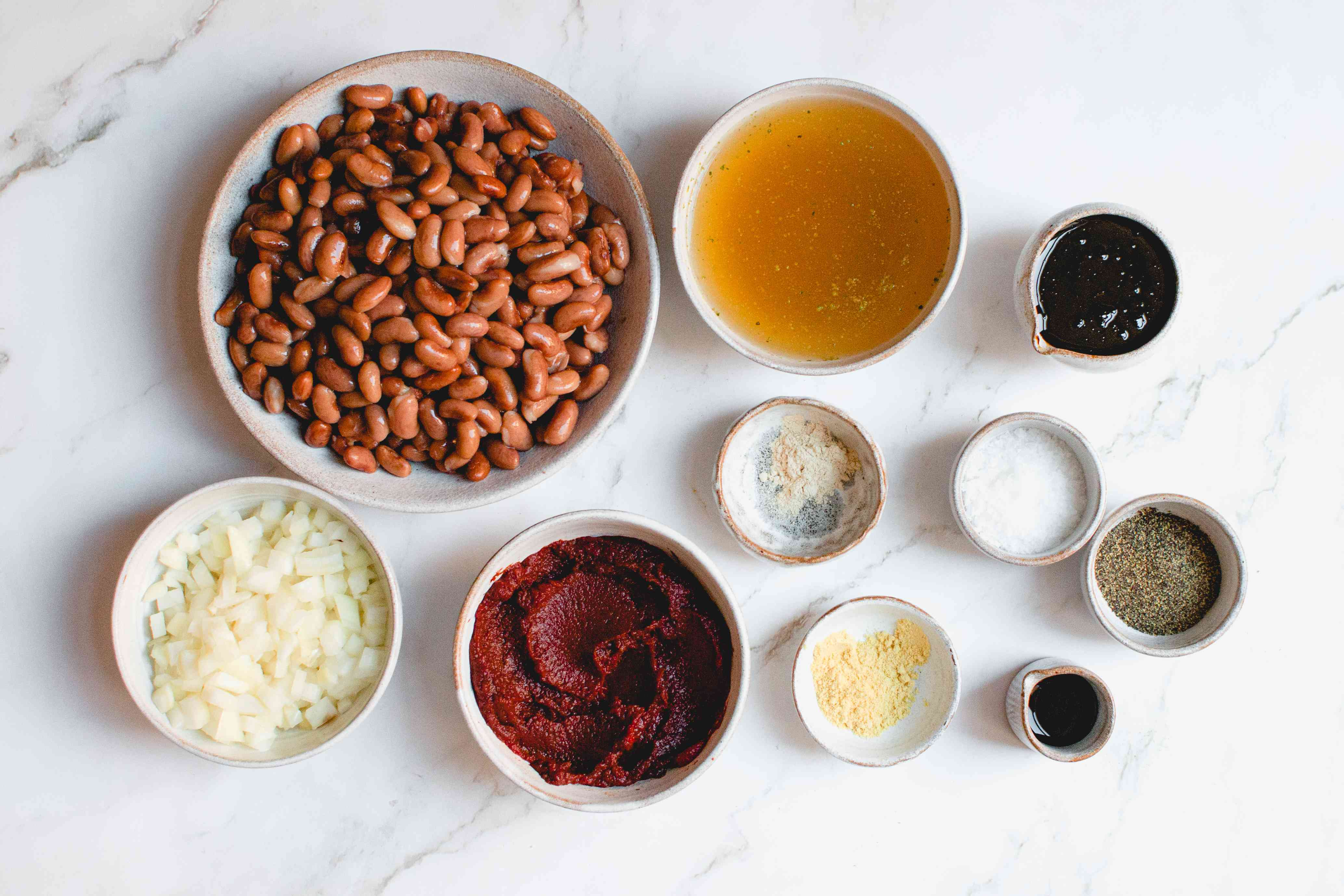 Vegetarian Boston baked beans with molasses ingredients