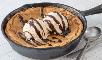 chocolate chip skillet cookie with ice cream