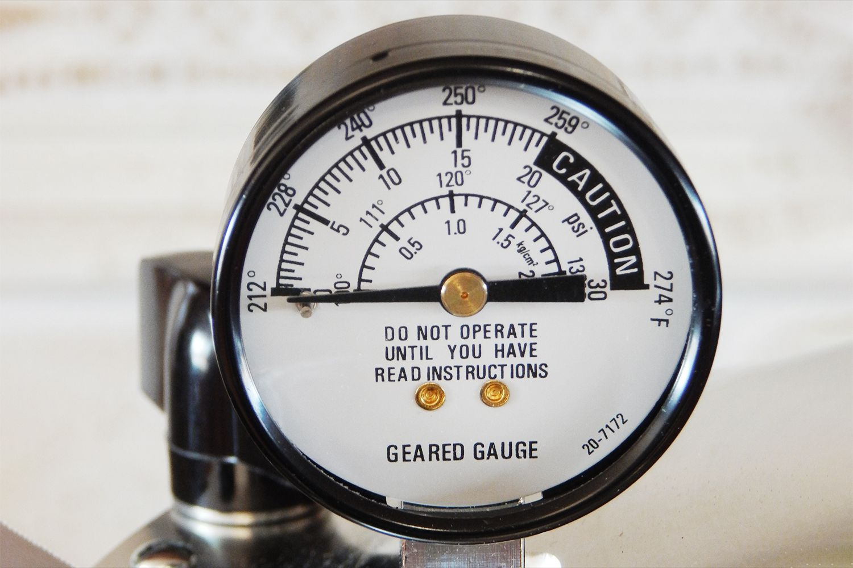 all-american-10.5-quart-pressure-cooker-canner-gauge