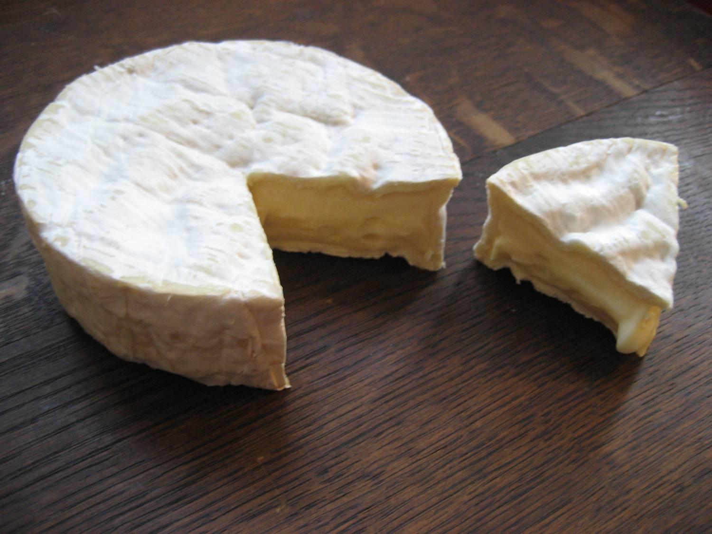 Camembert-small1500.jpg