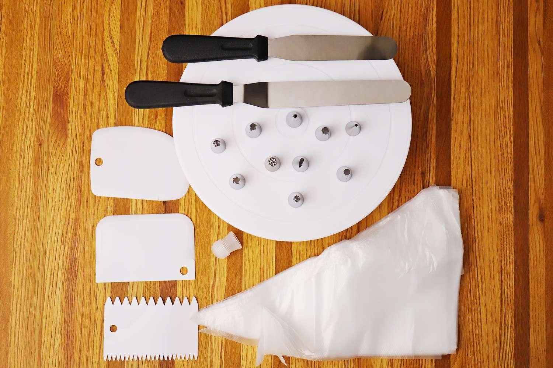 Kootek All-In-One Cake Decorating Kit