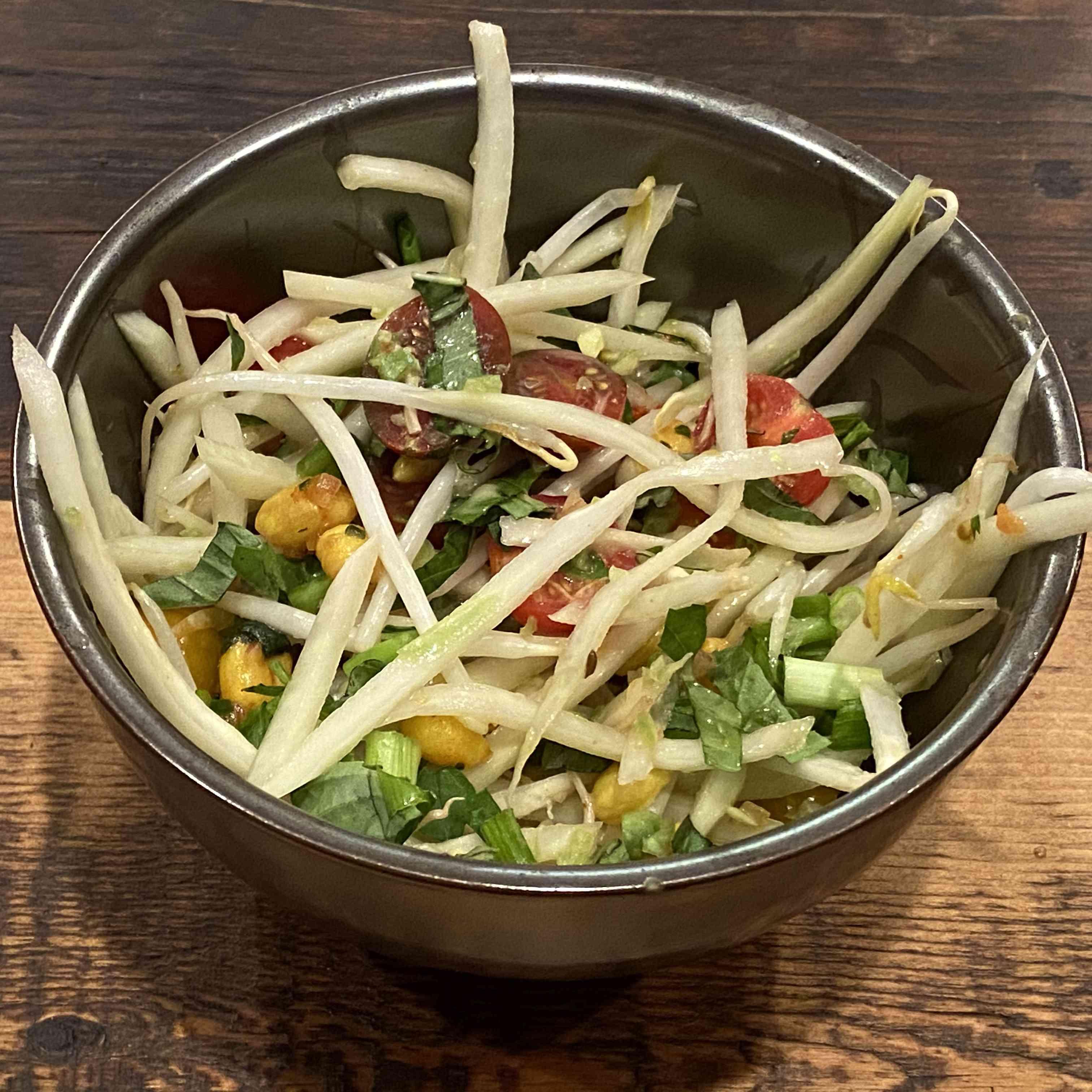 Som Tam: Thai Green Papaya Salad Recipe Test