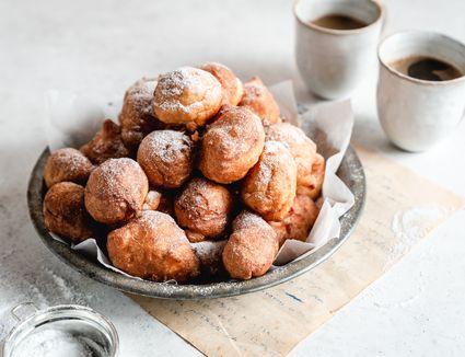 Old-Fashioned Dutch Doughnuts (Oliebollen)
